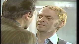 CRNI PETAK (1975)